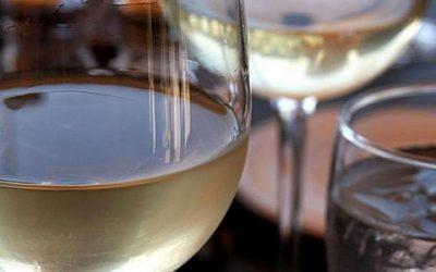 Hoogopgeleide vrouwen vaker 'gevaarlijke drinkers'